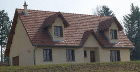 image d'une maison passive solaire, maison traditionnelle